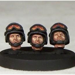 Têtes de militaires casqués