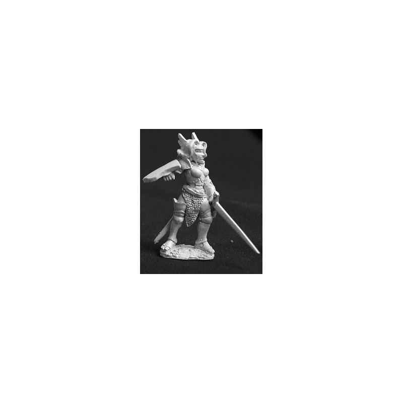 02573 Jeune guerrière