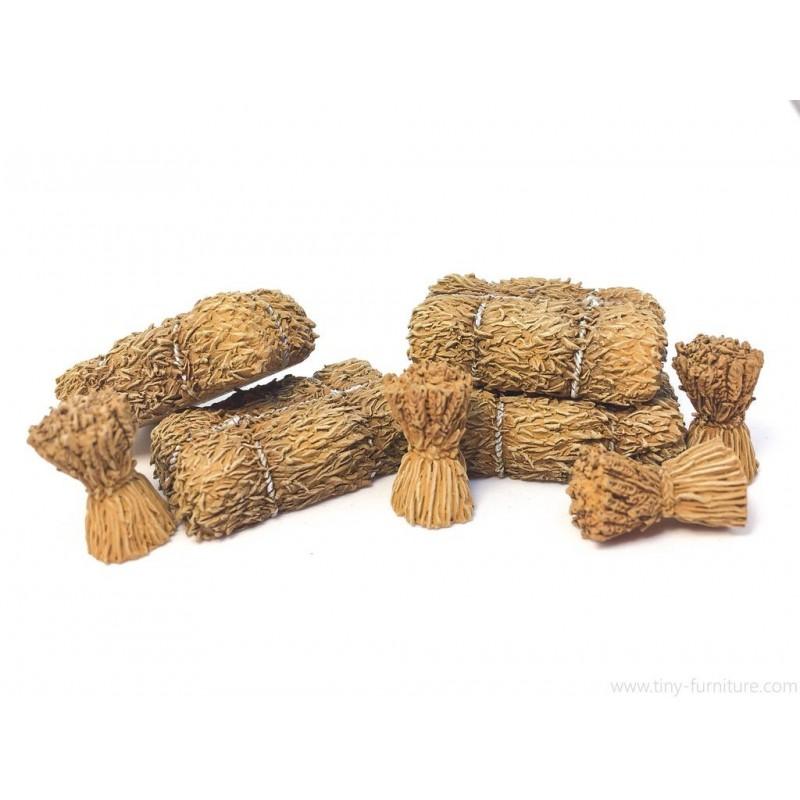 Meules de foin et épis de blé