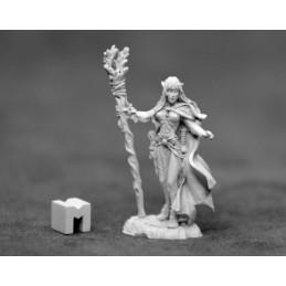 03925 Prêtresse elfe