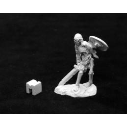 03944 Squelette avec épée et bouclier
